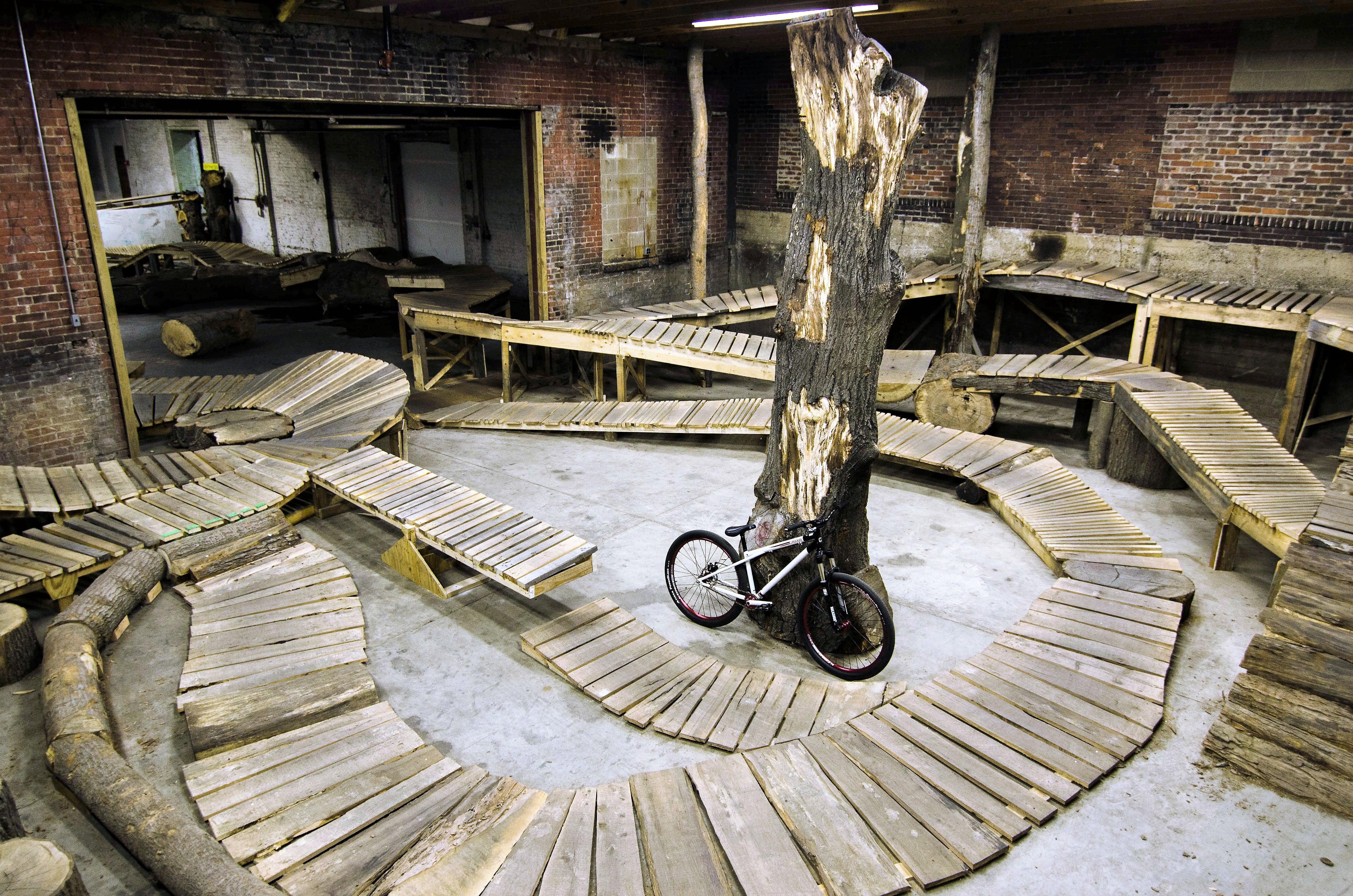 weride-bike-park-indoor