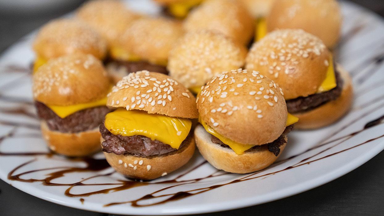 Séminaire à lyon - cuisine- mini burgers
