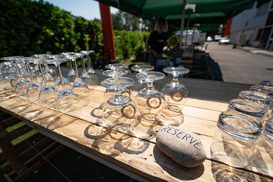 Séminaire à lyon - table extérieure apéro